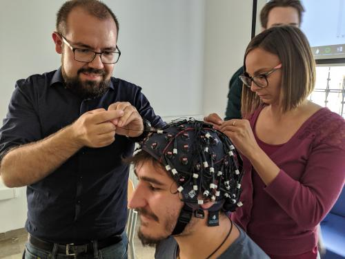64 channel EEG with wet and dry electrodes